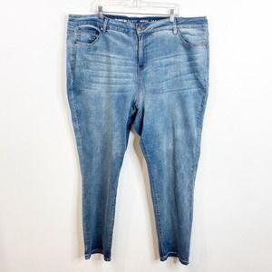 Avenue High Rise Skinny Jean Size 24